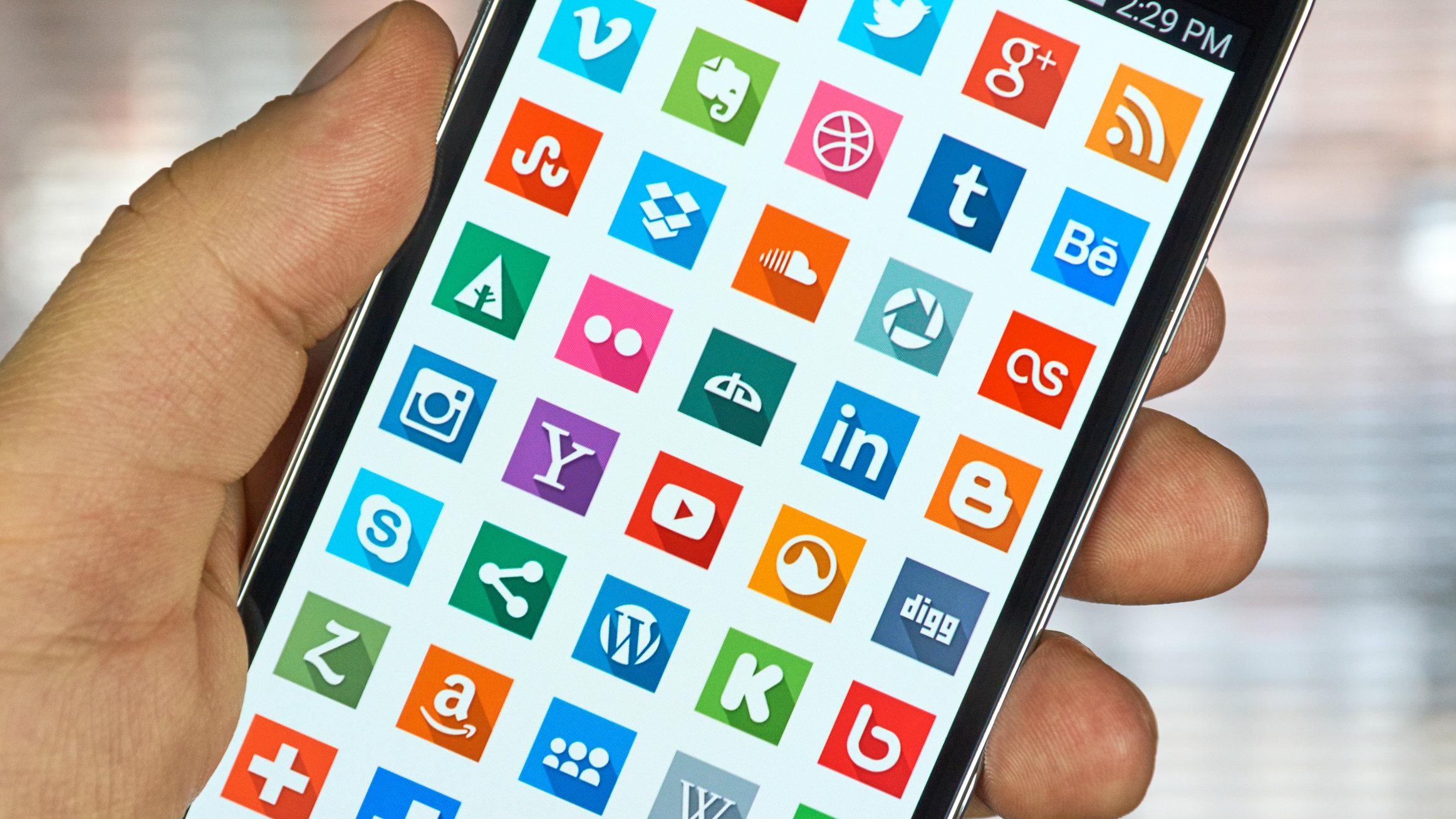 Photo of 22 تطبيق و 29 لعبة متاحين مجانًا ولفترة محدودة على متجر جوجل بلاي
