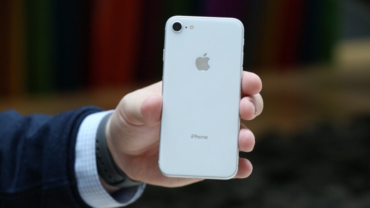 صورة آيفون SE2 قد يكون حاضراً خلال ربيع العام القادم بتصميم آيفون 8 وبسعر 400 دولار