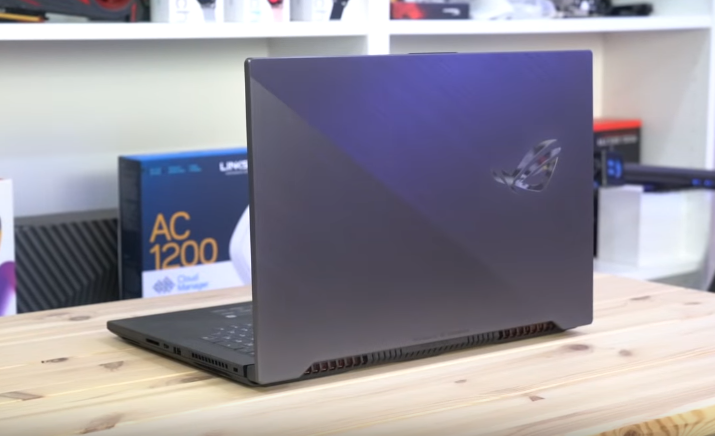 صورة مراجعة للحاسب المحمول Asus ROG Strix Scar II: كرت شاشة مكتبي!