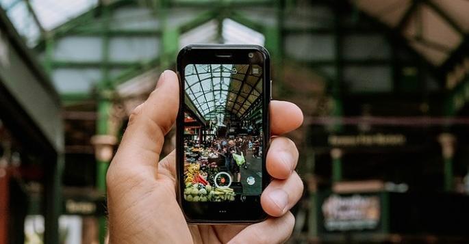 Photo of هاتف Palm المميز بحجم 3.3 إنش متوفر الآن في نسخة مفتوحة بسعر 349 دولار