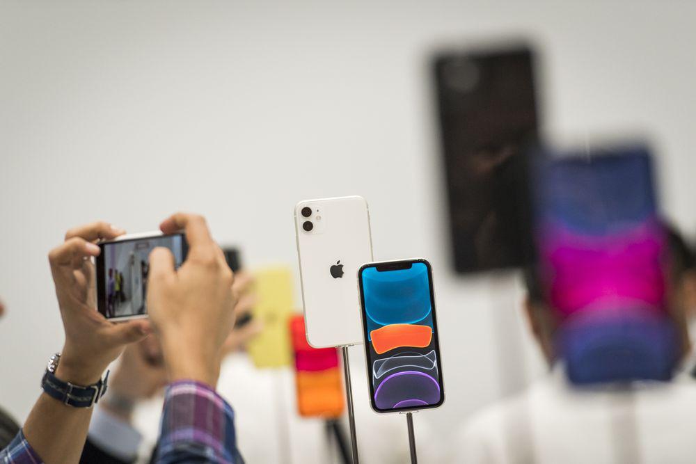 Photo of ابل تتوقع إرتفاع مبيعات هواتف الأيفون بنسبة 10% العام المقبل