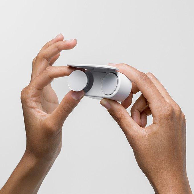 Photo of نظرة على سماعة مايكروسوفت الجديدة Surface Earbuds