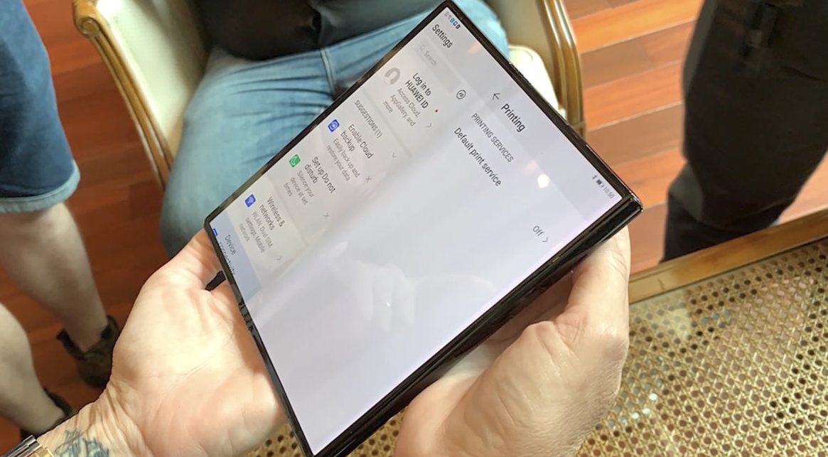 Photo of هواوي تستعد لإطلاق هاتفها القابل للطي Mate X بتكوينات أفضل مع تعزيز كفاءة التصميم