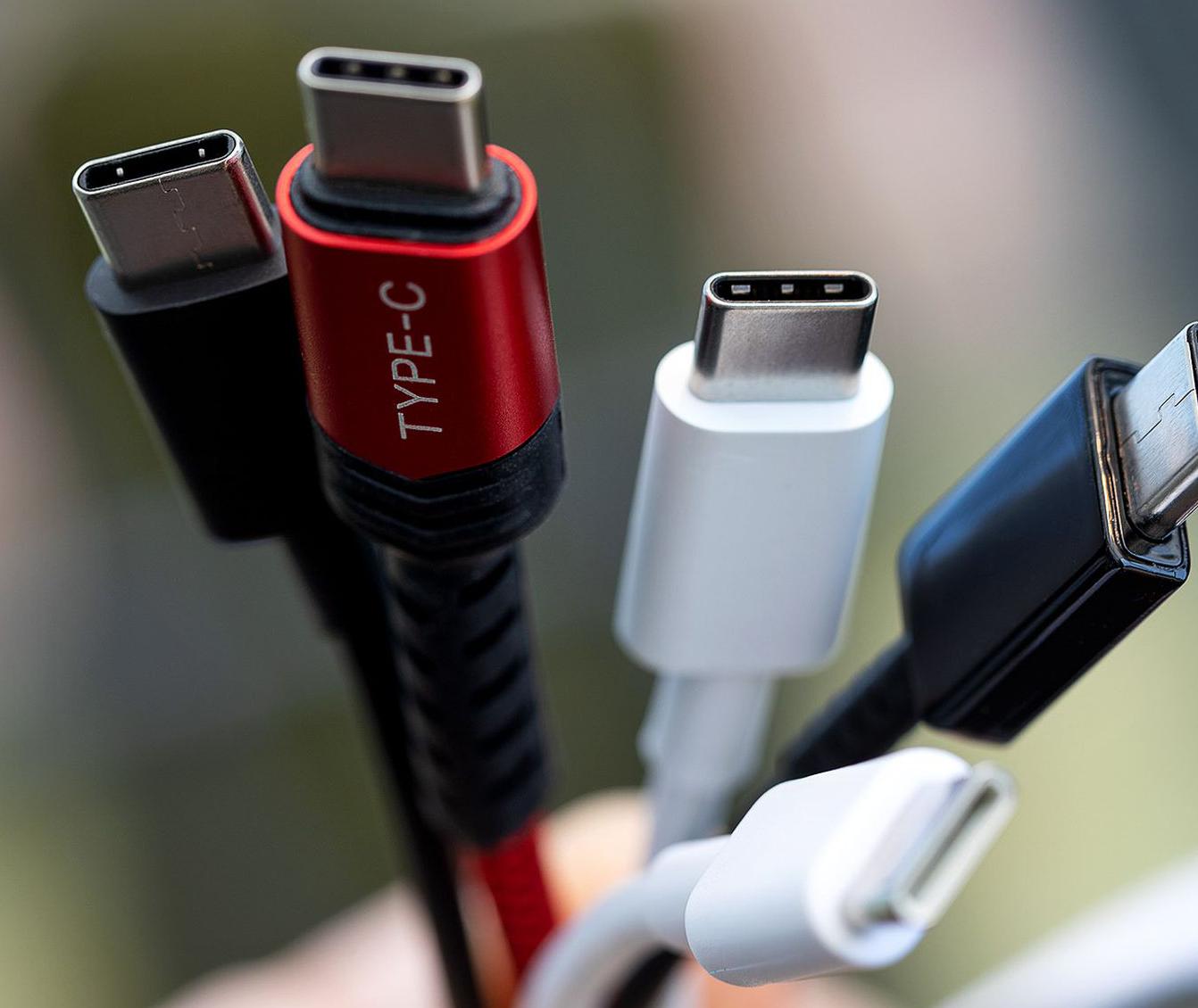 صورة معايير DisplayPort الجديدة تدعم شاشات بدقة 16K عبر USB-C