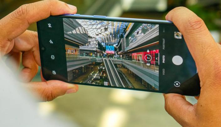 صورة وان بلس تستعد لجلب ميزة التصوير بالحركة البطيئة عند 960 إطار لكل ثانية في هاتف OnePlus 7T