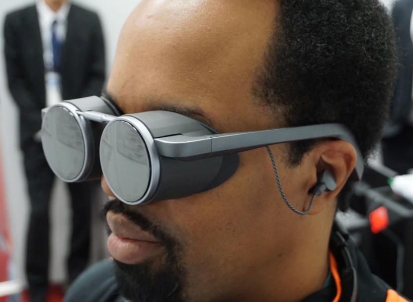 Photo of باناسونيك تعرض نظارة واقع افتراضي مدمجة بتقنية HDR