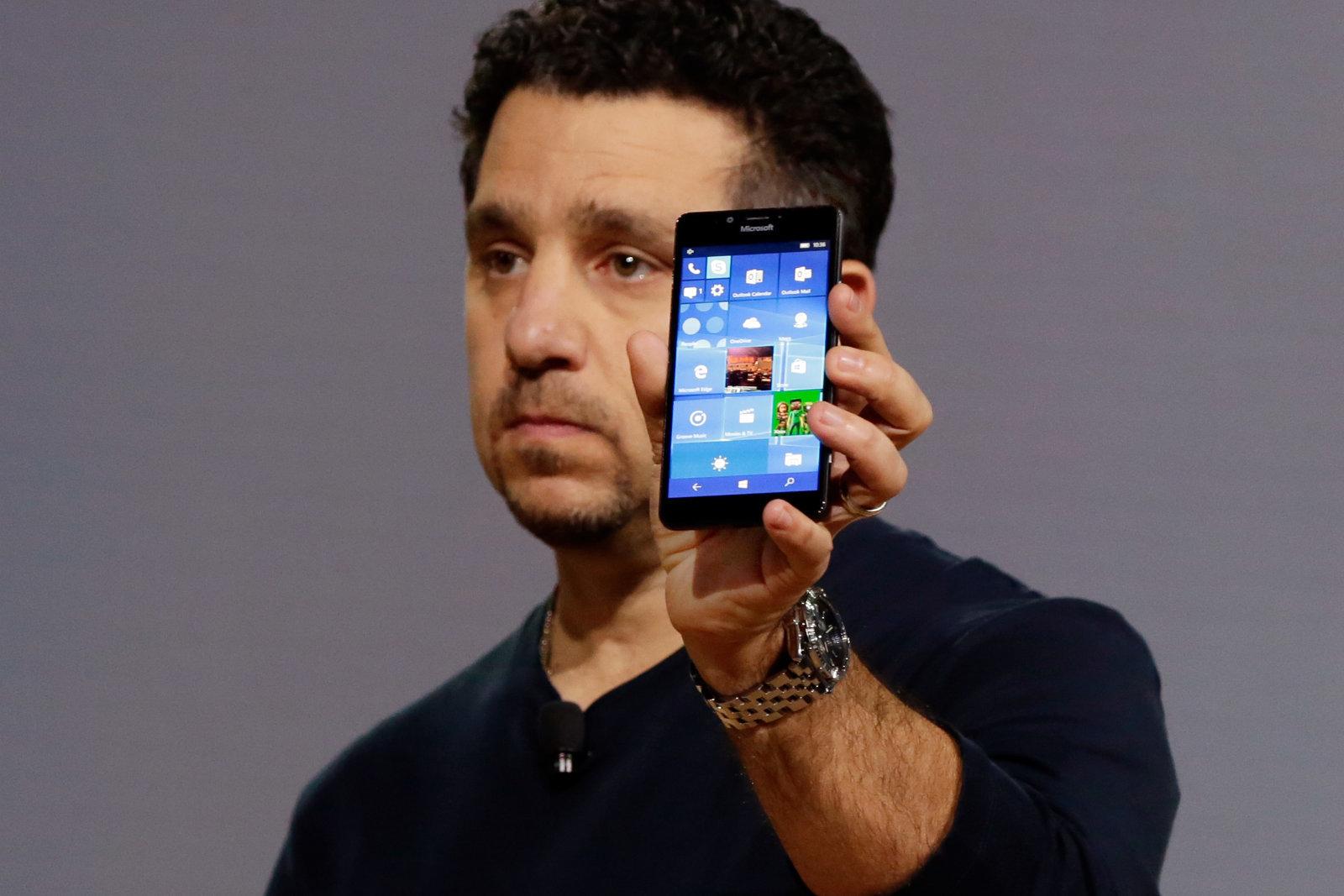 Photo of مايكروسوفت تتوقف عن دعم تطبيقات Office على منصة Windows 10 Mobile في 2021